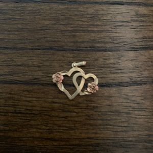 Dainty Charm -Gold Hearts with Rose Gold Roses